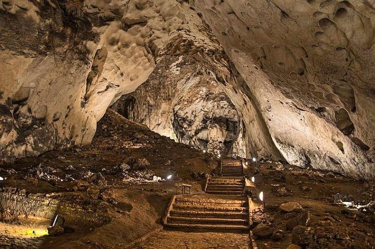 """Пещера """"Магурата"""""""